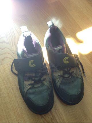 Zapatillas de montaña