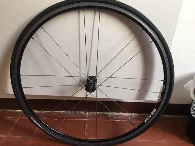 Bicicleta rueda delantera marca flyer