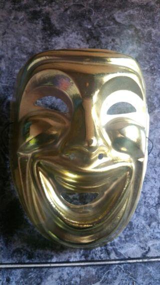 Máscara de plástico