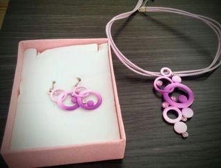 conjunto pendientes y collar lilas