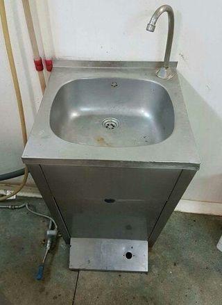 Fuente / Canaleta de agua