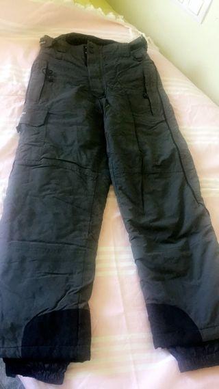 Pantalones d'esquí en perfecto estado