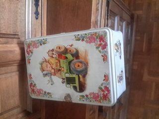 caja metalica de Cola Cao
