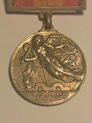 Medalla del alzamiento en plata guerra civil