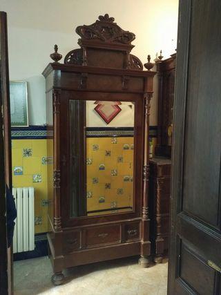 Armario ropero antiguo alfonsino con espejo de segunda mano por 600 en blanes en wallapop - Armario ropero antiguo ...