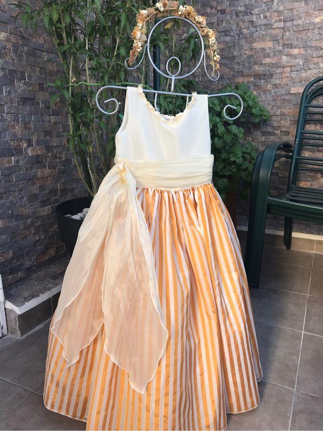 59b787976 Vestido niña seda de ceremonia T4-5 de segunda mano por 45 € en ...