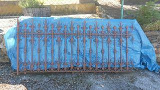 valla metálica jardín antigua