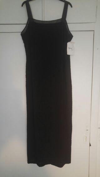 Vestido largo negro. marca Nominal. T 44