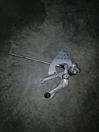 Estribera izquierda yamaha r6 2001