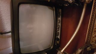 television antigua con radio