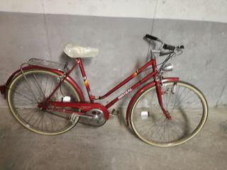 bonita Bicicleta antigua española mistral