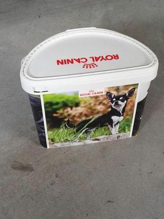 caja pienso Royal canin
