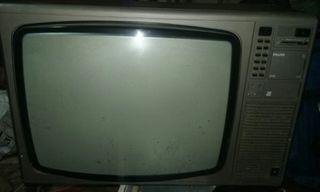 televisor clasico vintage de la epoca
