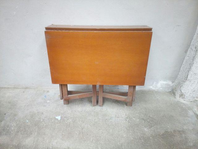 Mesa estudio plegable de madera de segunda mano por 15 for Mesa plegable ikea segunda mano