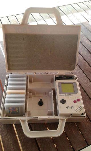 Game boy +maletin+juegos+accesorios