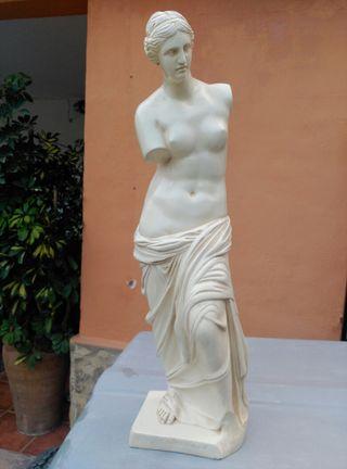 estatua decorativa