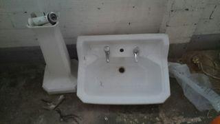 pila y servicio. cuarto de baño