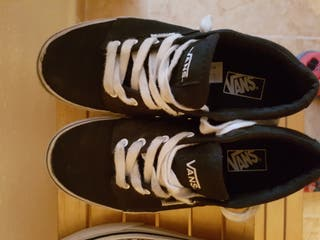 f15c2d3ff3 Zapatillas Vans negras de segunda mano en Palma de Mallorca en WALLAPOP