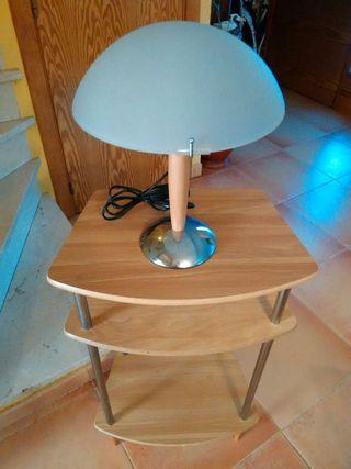 Mesa y lampara como nuevas