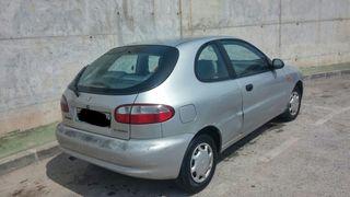 Daewoo Lanos gasolina año 99