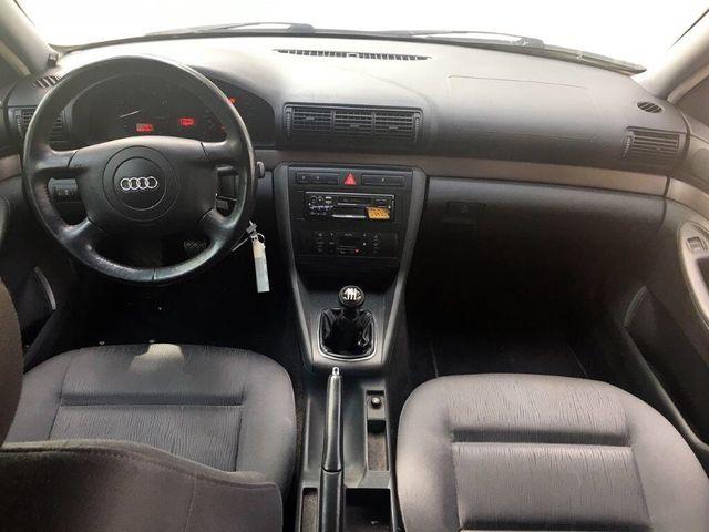 Audi A4 1.8. I año 2000