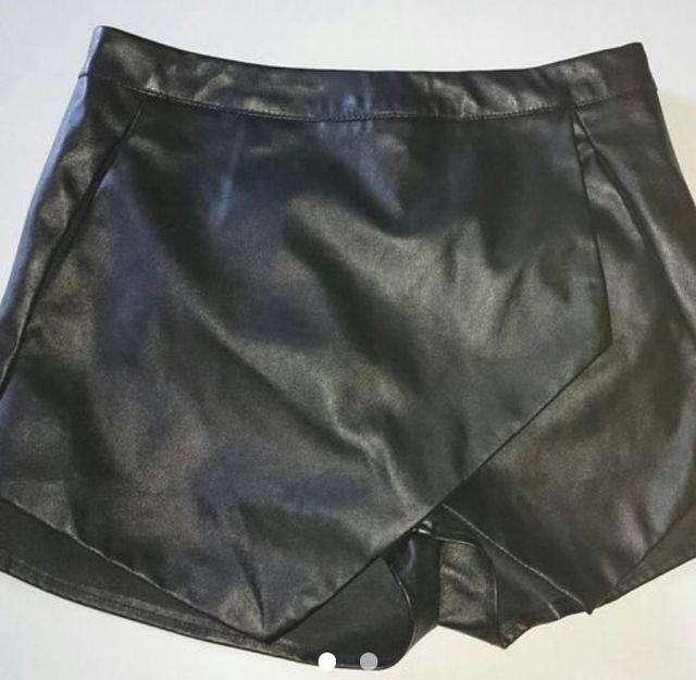 eb938705 Falda / Pantalon Efecto Piel Negro Talla 36 de segunda mano por 20 ...