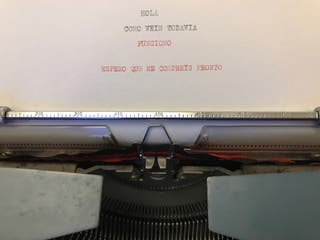 Maquina de escribir vintage Olivetti Studio deluxe
