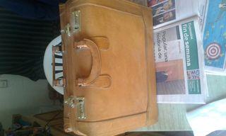 maleta piel vintage