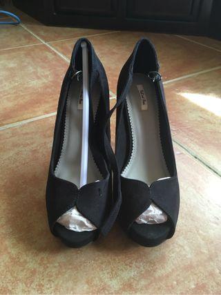 Peep toes