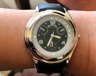 60283bceff27 Mujer Solita Eve De Segunda Mano Palau Crois Por En € 15 I Mon Reloj ...