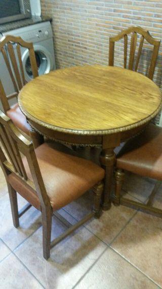 Mesa de cocina mas 4 sillas