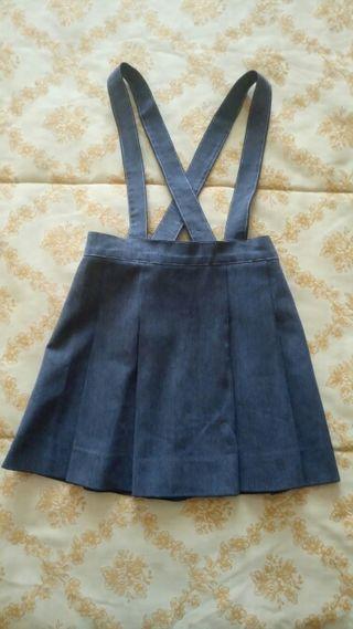 Falda uniforme gris con tirantes