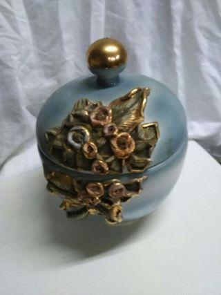 jarron ceramica con borde en oro