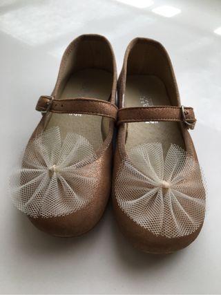 Zapatos de niña en piel para celebracion
