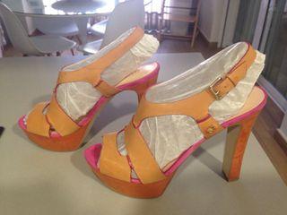 Zapato Guess sin estrenar (Sandalia)