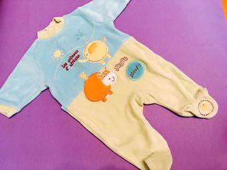Pijama bebé a estrenar