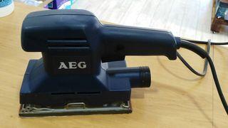 Lijadora AEG VS230