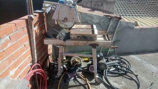 cortadora de terrazo funciona con agua