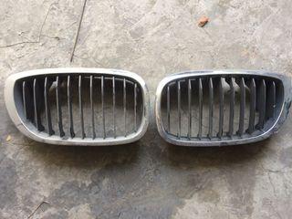 Vendo rejias capot d de BMW 525