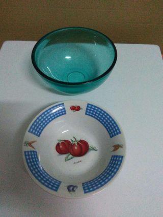 Vendo dos cuencos uno de cristal y otro de cerámica sin estrenr