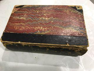 Antiguo libro