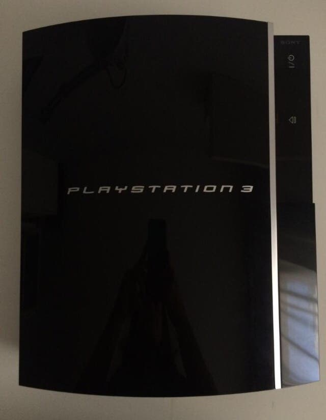 Play Station 3 + cables