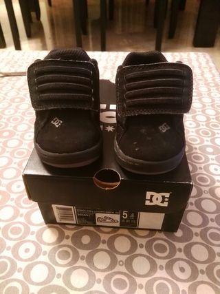 Zapatillas de bebé DG