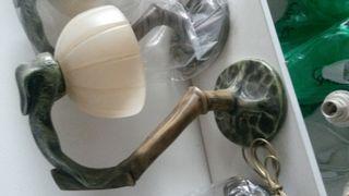 2 lamparas de mesa en resina