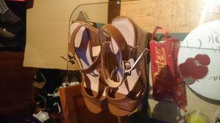Sandalias nuevas preciosas sin estrenar cuñas