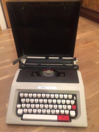 Máquina de escribir. Marca Olivetti LETTERA 42