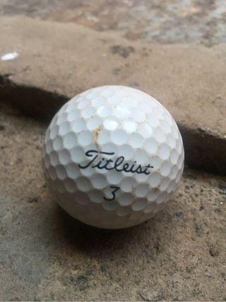 140 pelotas de golf