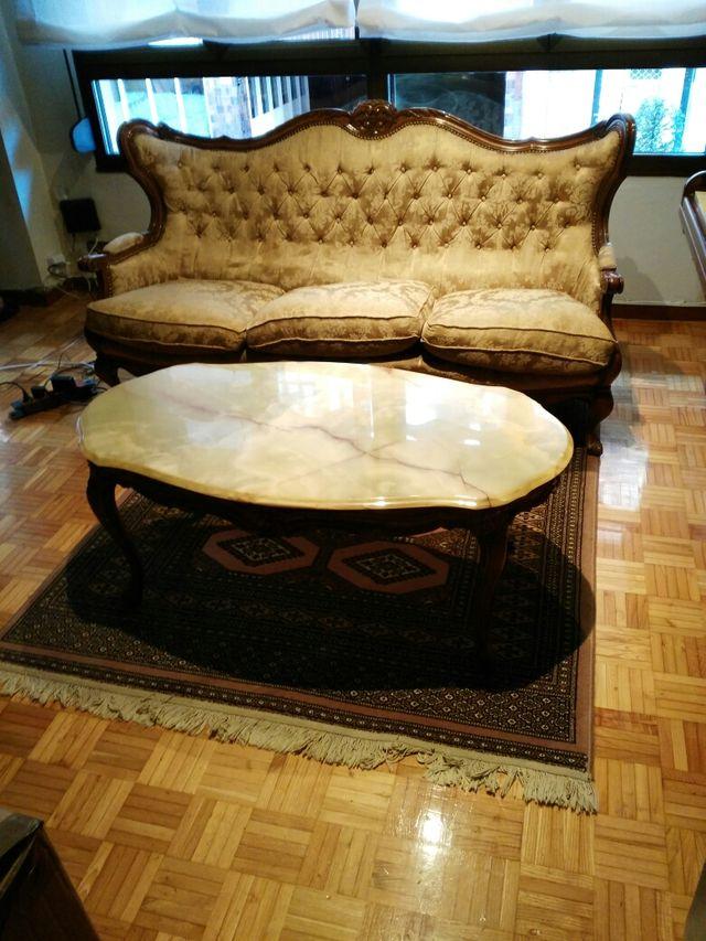 Sofá y mesa de mármol clasica
