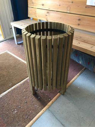 Jardinera o papelera de exterior madera tratada