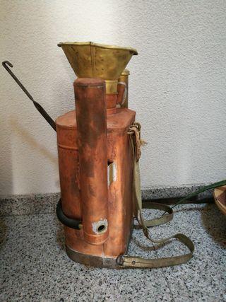 AntigüedadMaquina de sulfatar muy antigua de cobre